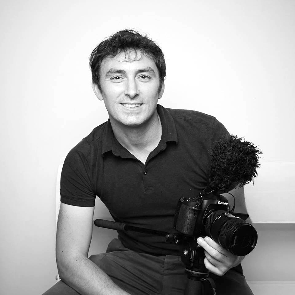 Selecting the right videographer and photographer for your wedding